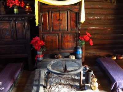 云南摩梭族门口放鞋子 走进神秘女儿国亲历摩梭人的生活