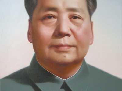 毛主席年轻留辫子相片 毛泽东想照一张侧脸相片悬挂在天安门城楼上